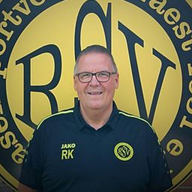 <b>Ralf Kniest</b>